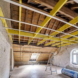 Isolation d'un plafond à la mairie de Longevelle